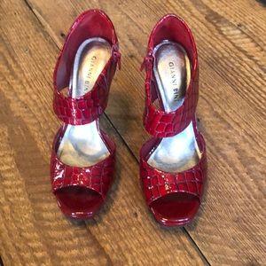 Gianni Bini deep red patent leather heel